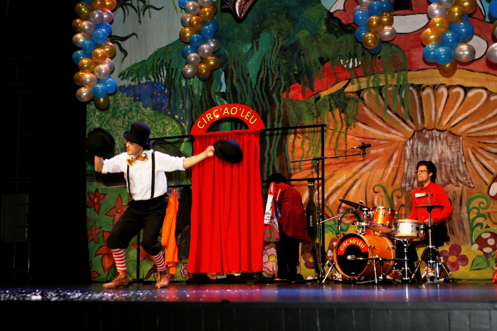 Circ'ao'Léu - Teatro Infantil - Teatro de Rua - Teatro Cómico - Circo